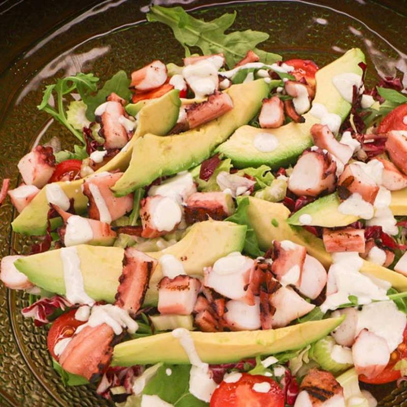 Salata De Caracatica Cu Avocado